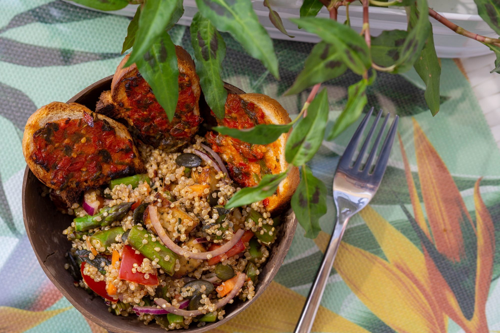 Quinoa-Salat mit Spargel